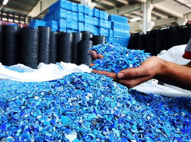Plastiklerin Geri Dönüşümü Nasıl Yapılır?